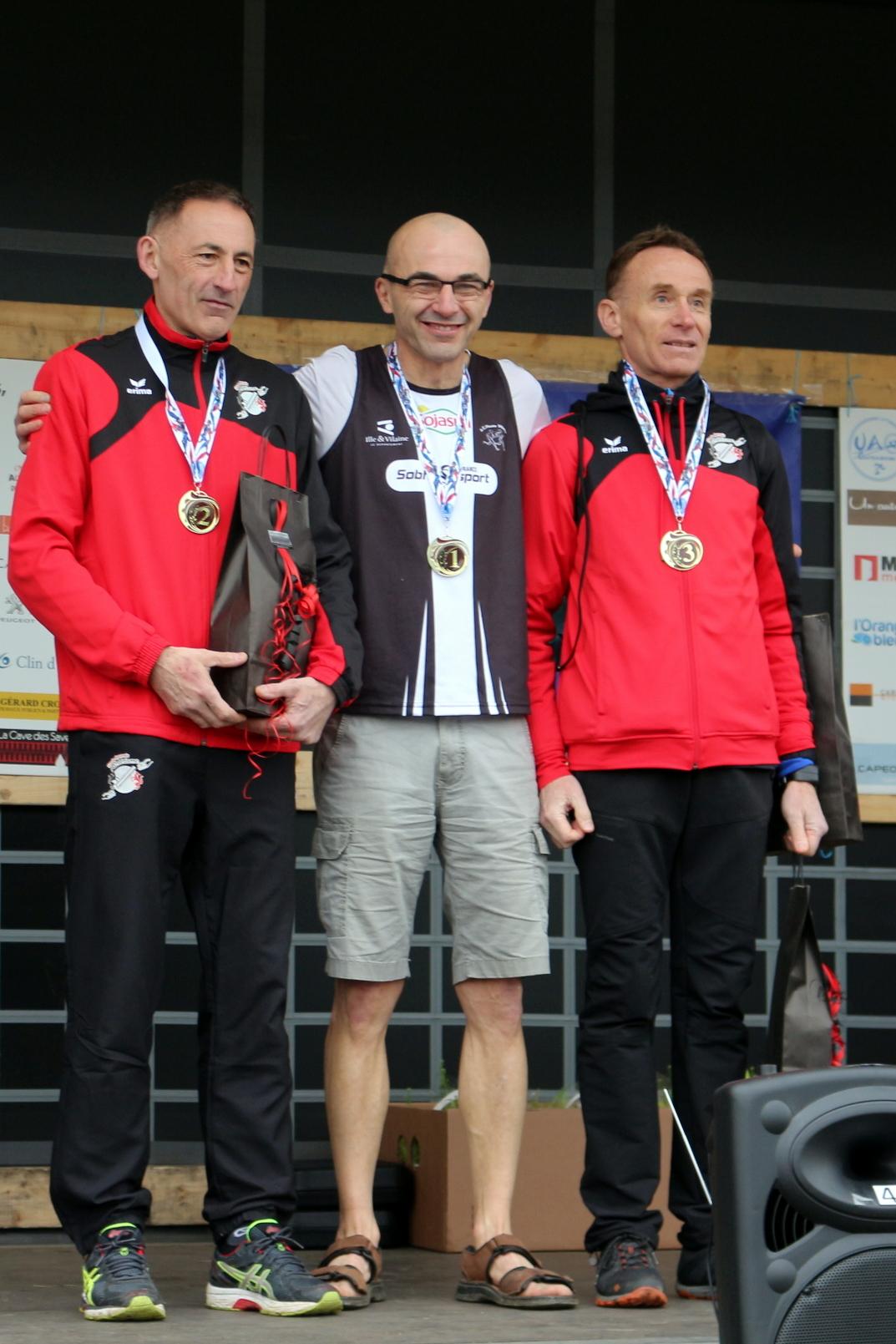 MN podium 03